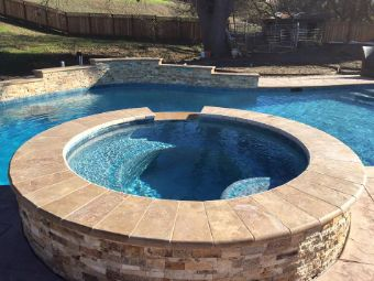 Livermore-pool-deck-contractor-masonry-stacked-stone
